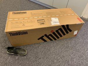 ThinkVision P44w shipping box